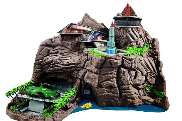 Lego and dolls top low-tech Santa wishlist