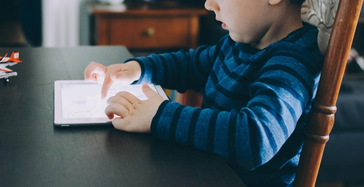 Essential Tips on How to Lessen Your Child's Screen Time